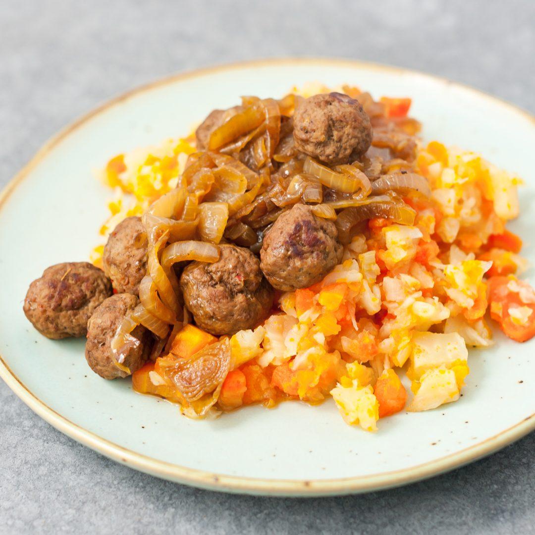 Makkelijk recept voor hutspot met extra veel groenten. Zo kom je de wintermaanden wel door!